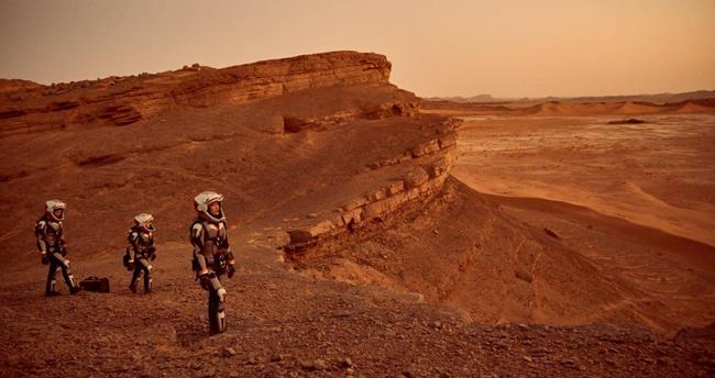 Znalezione obrazy dla zapytania człowiek na marsie