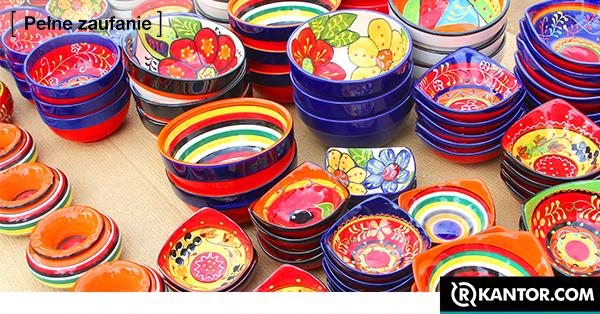 wyroby z Hiszpańskiej ceramiki.