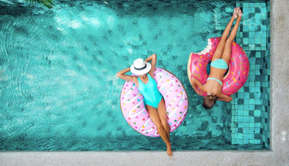 dziewczyny w basenie