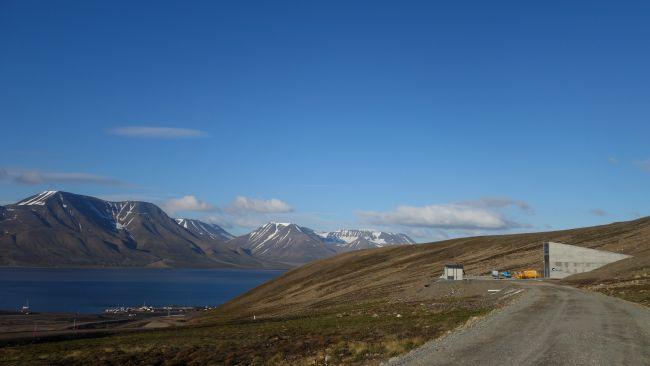Bank Nasion, Longyearbyen