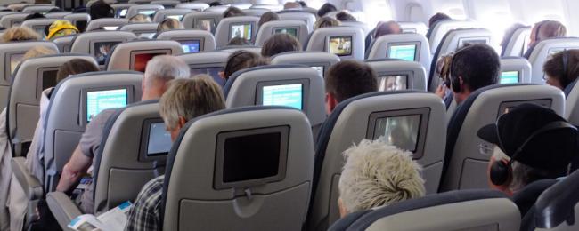 ife oglądanie filmów w samolocie
