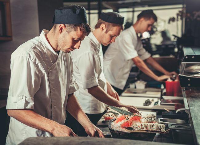 Pracownicy w restauracji