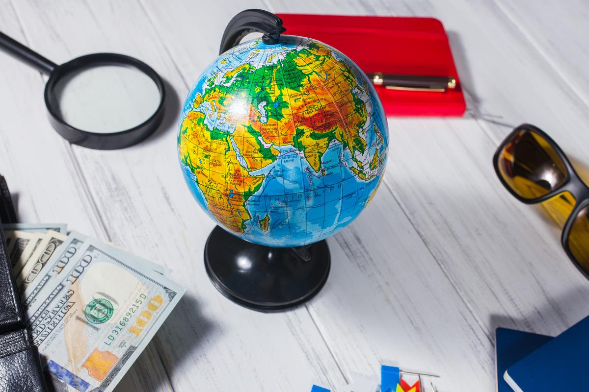 globus i dolary