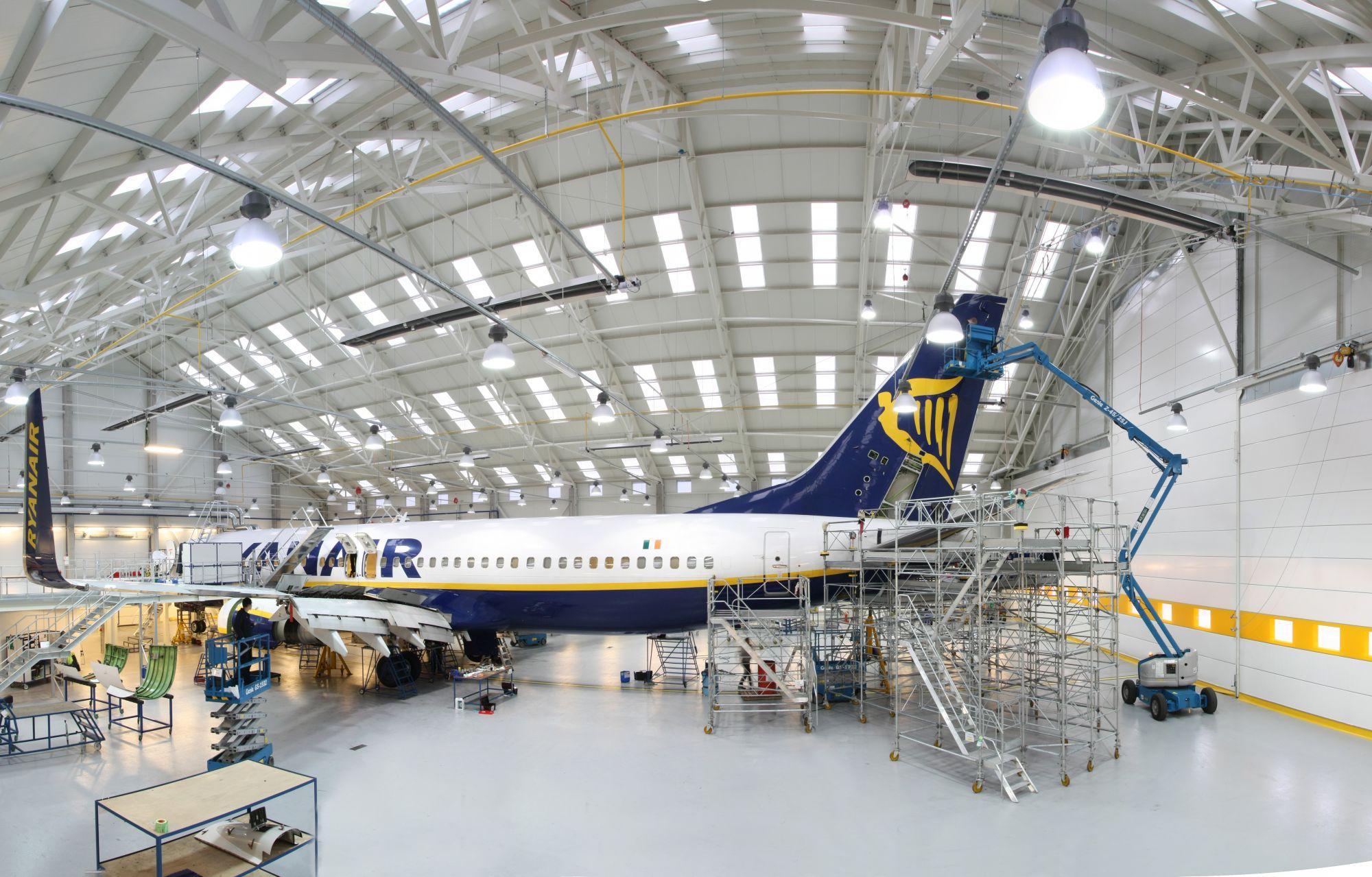 hangar Ryanair