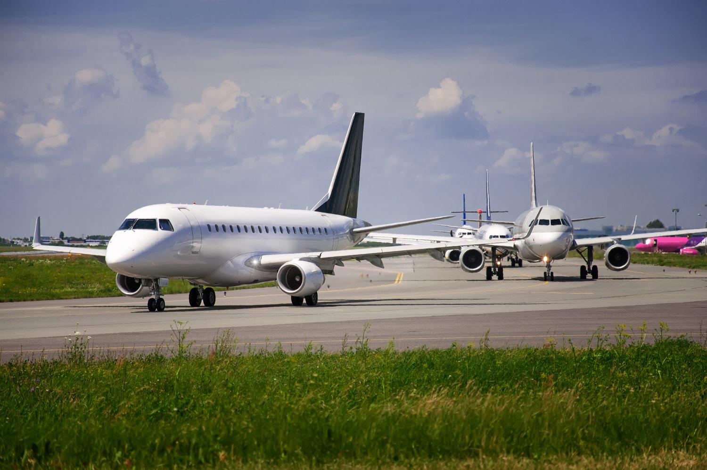 korek na lotnisku