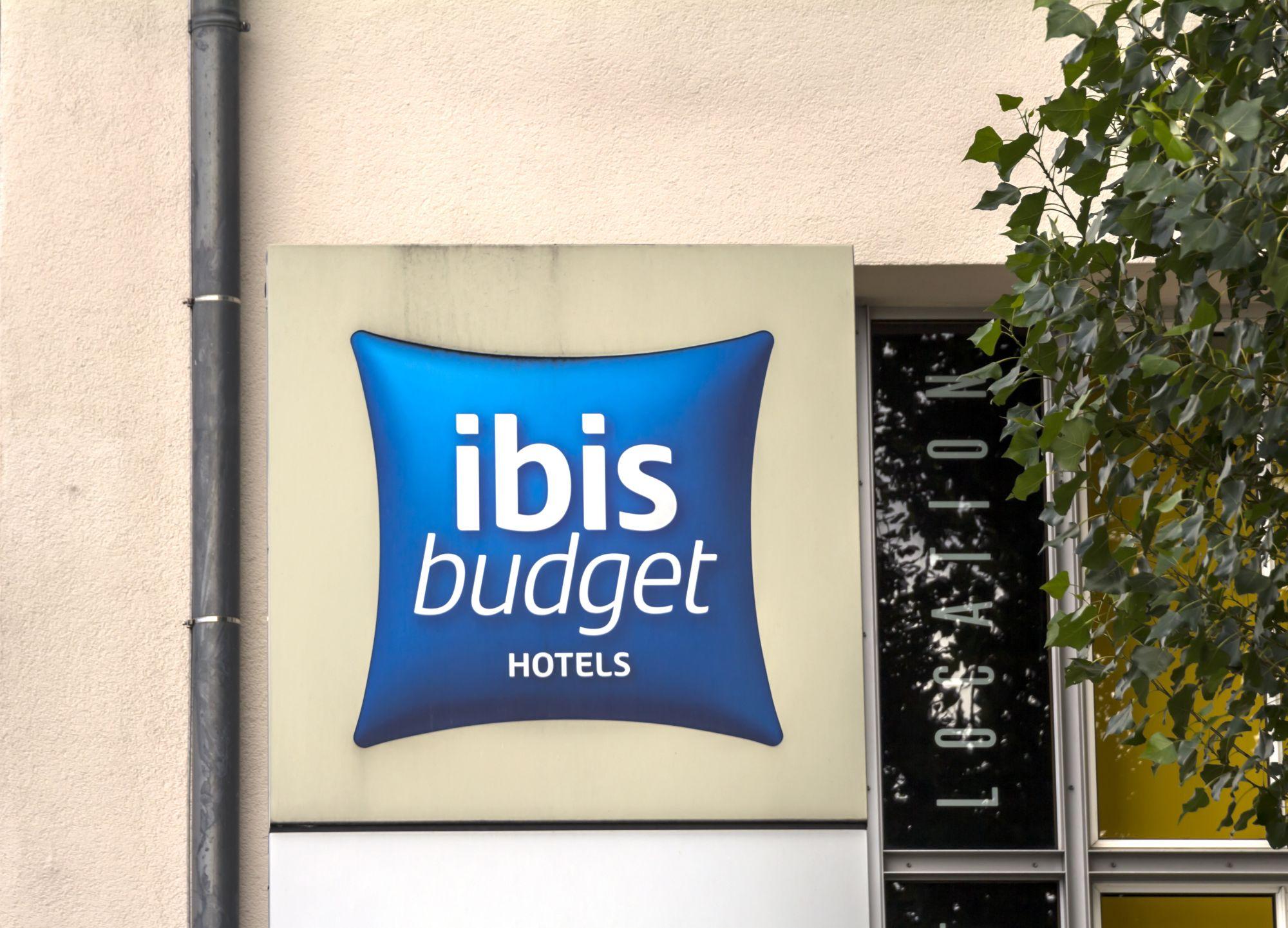ibis budget logo