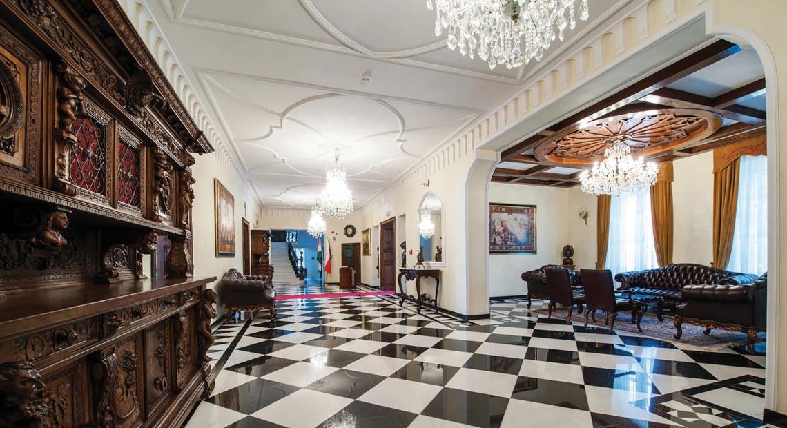 hol w pałacu