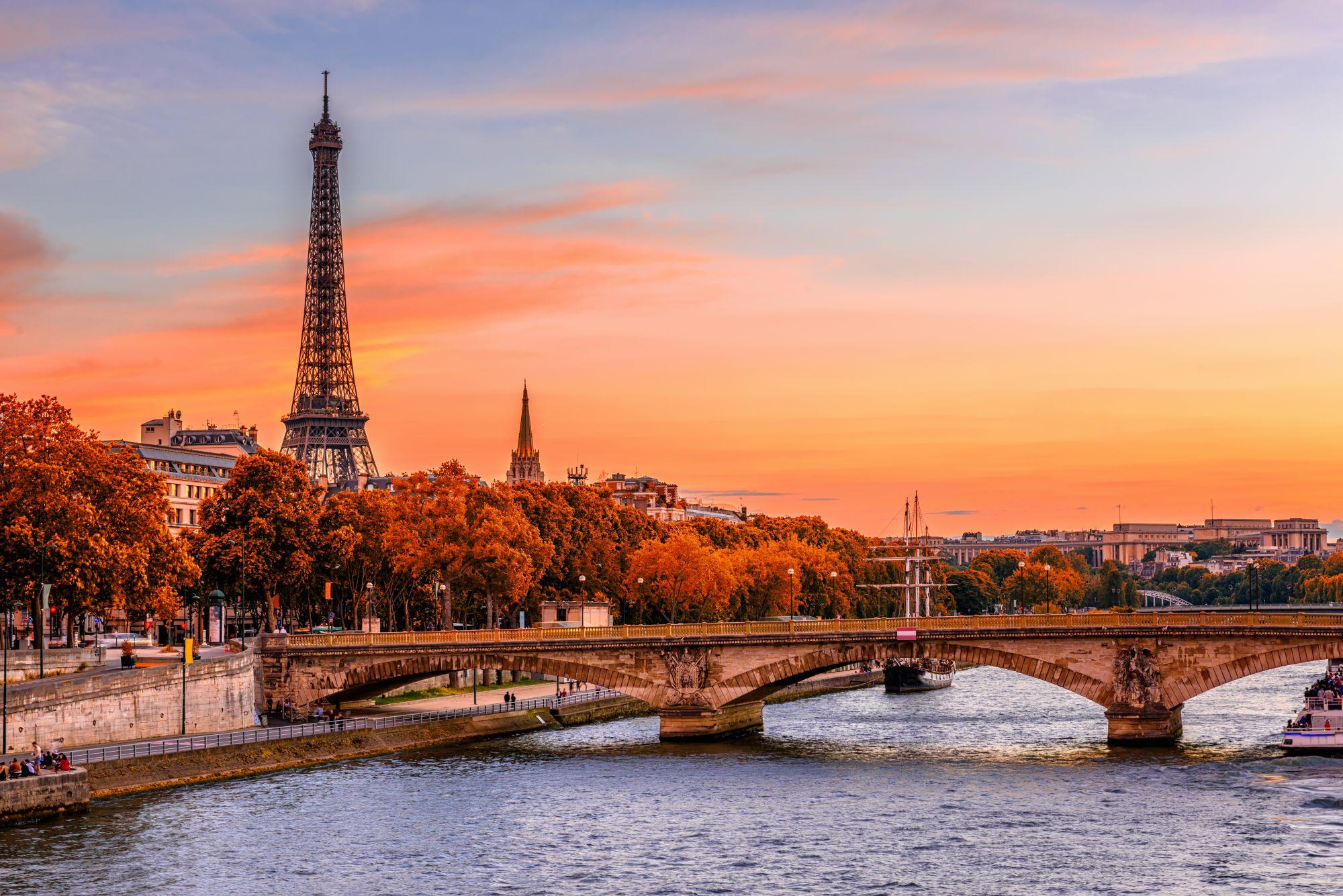 Paryż widok rzeki