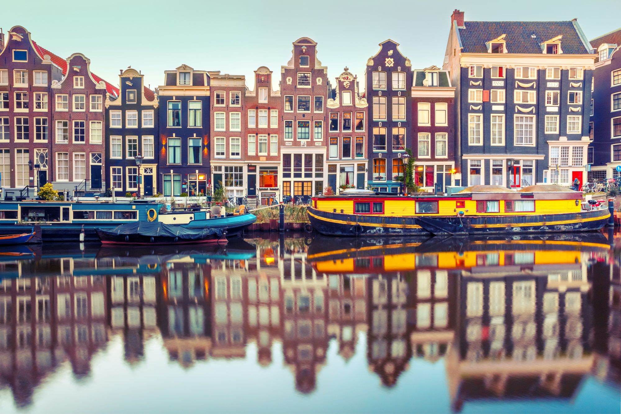 Amsterdam widok kanału