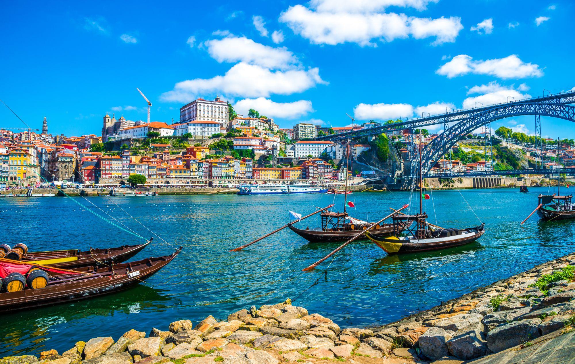 Porto widok rzeki i mostu
