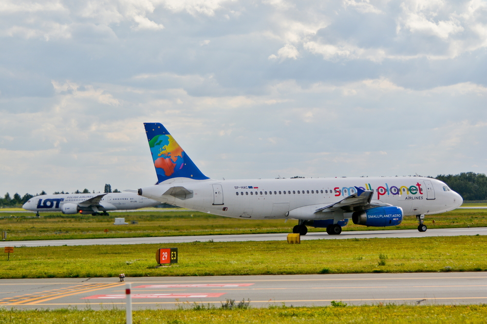 Small Planet Airlines, LOT