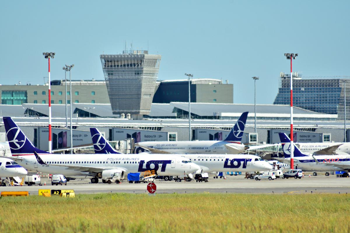 lotnisko Chopina, Warszawa, WAW, EPWA, LOT