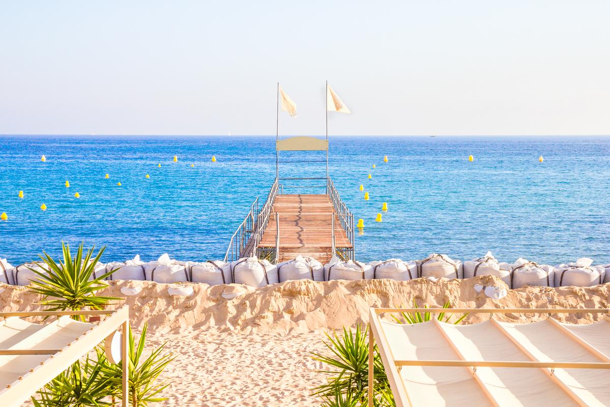 widok na morze z plaży