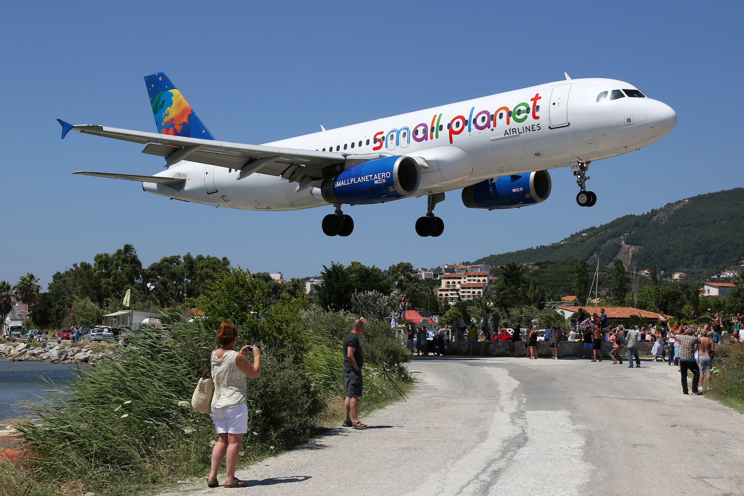 samolot Small Planet Airlines