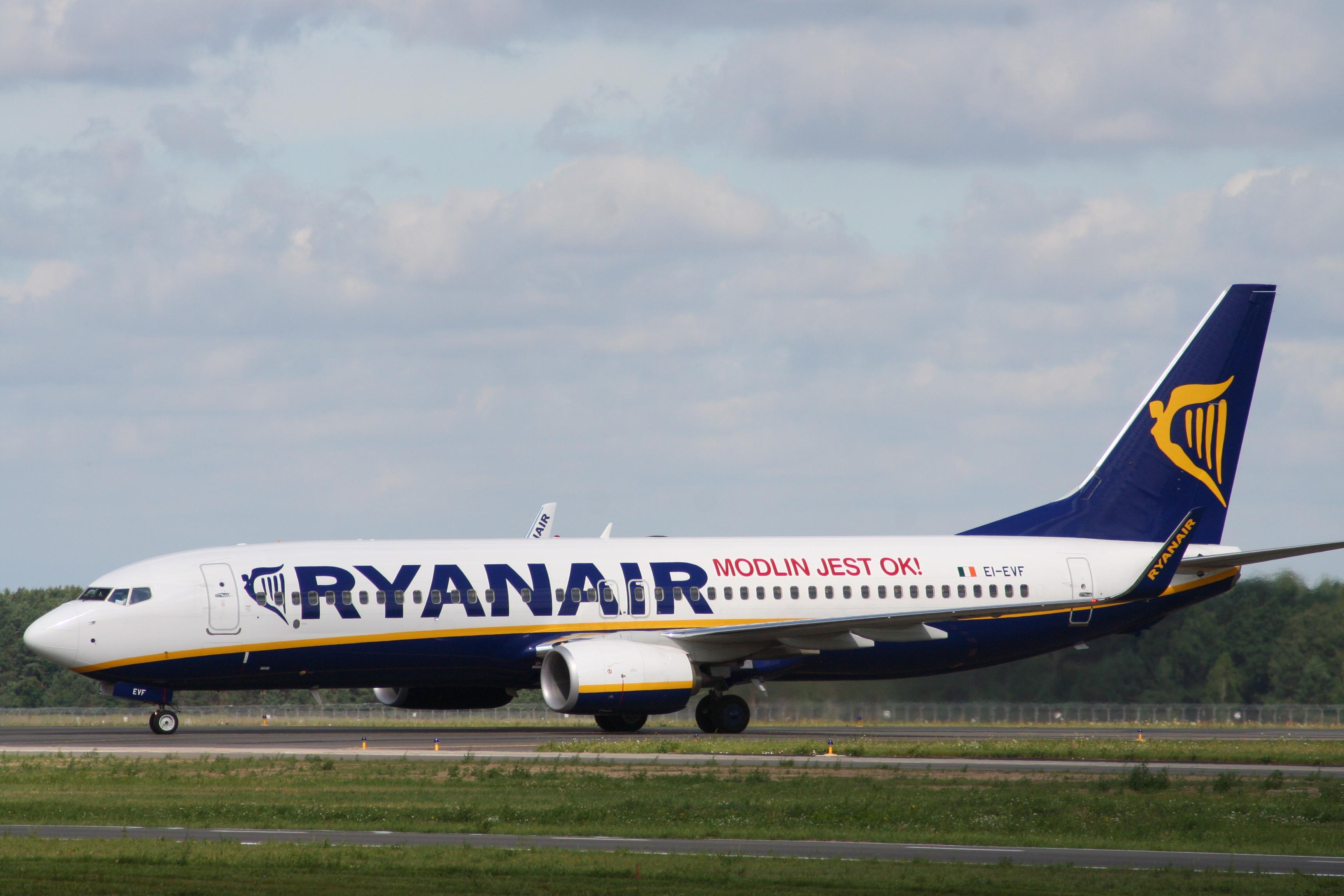 Modlin, Ryanair