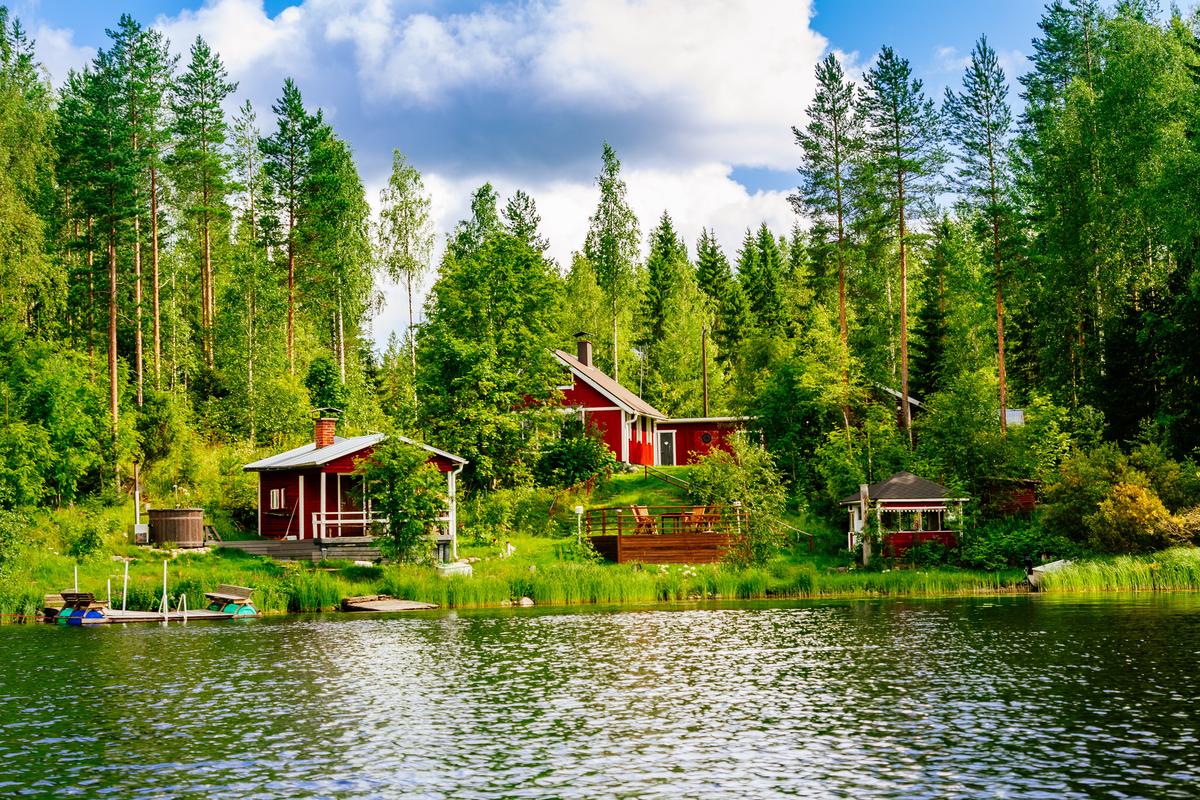 domki nad jeziorem