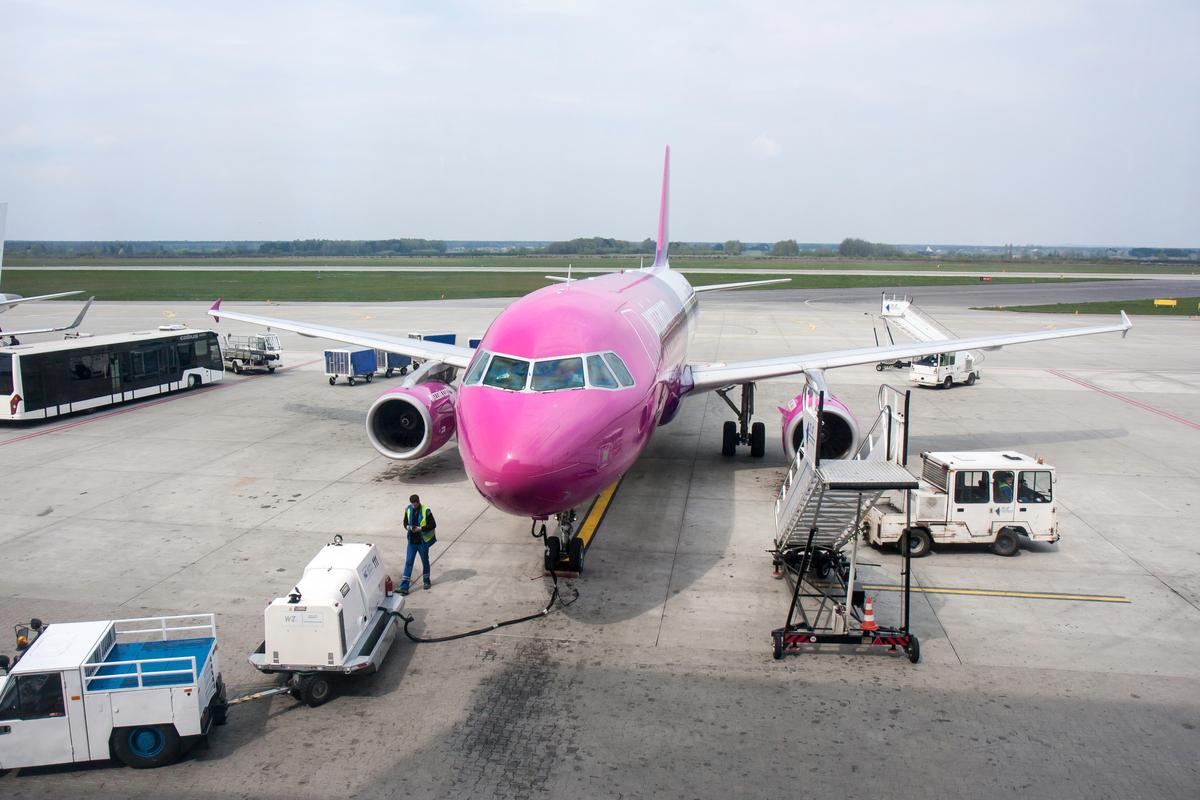 samolot wizzair katowice