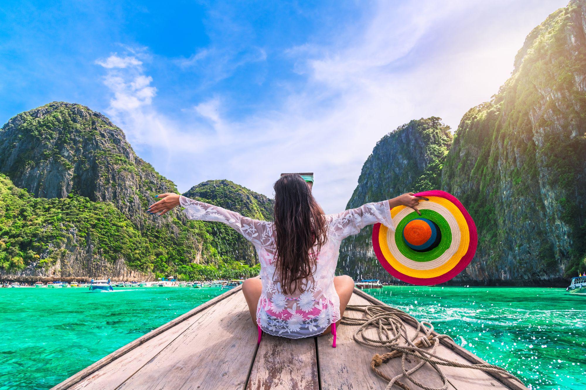 Phuket kobieta na łodzi