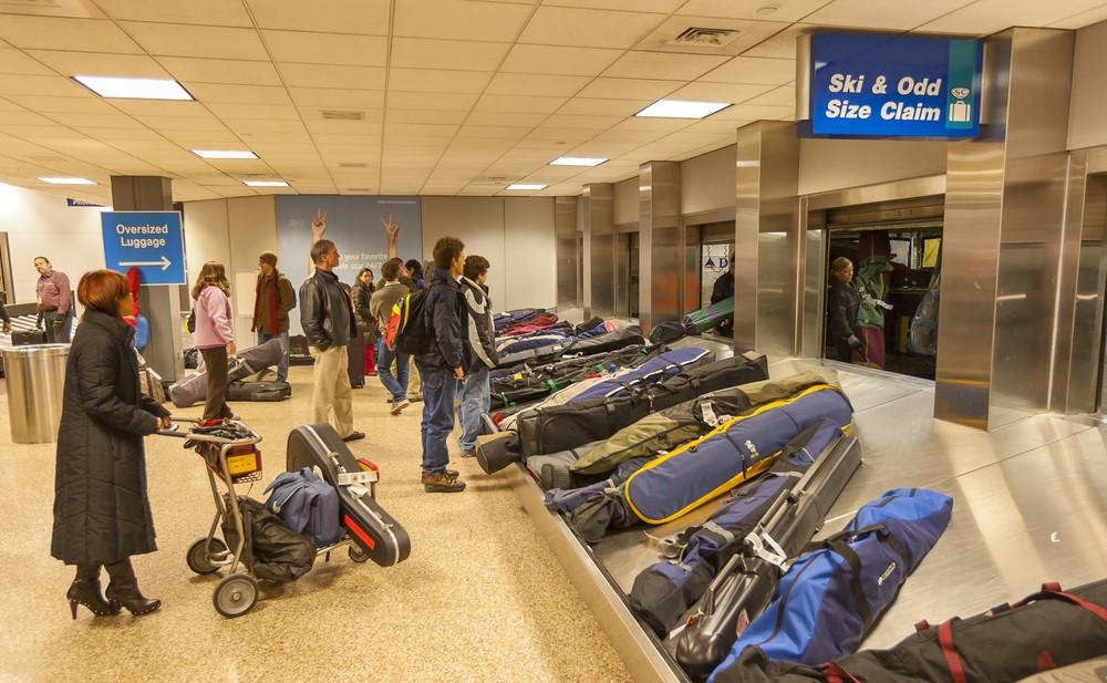 Narty na lotnisku