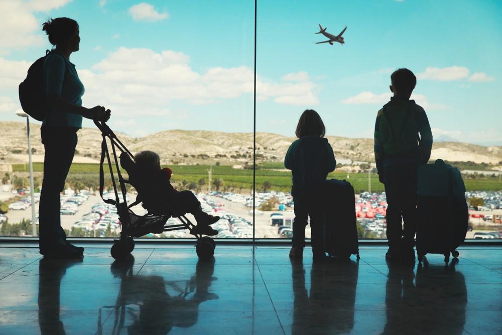 Wózek dziecięcy na lotnisku