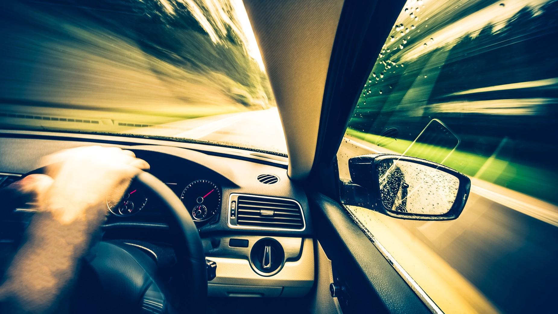 Samochód w ruchu lewostronnym