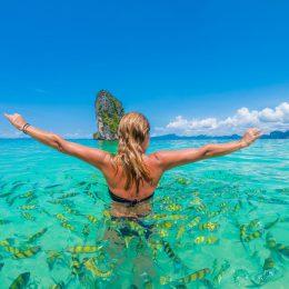Tajlandia kobieta w morzu