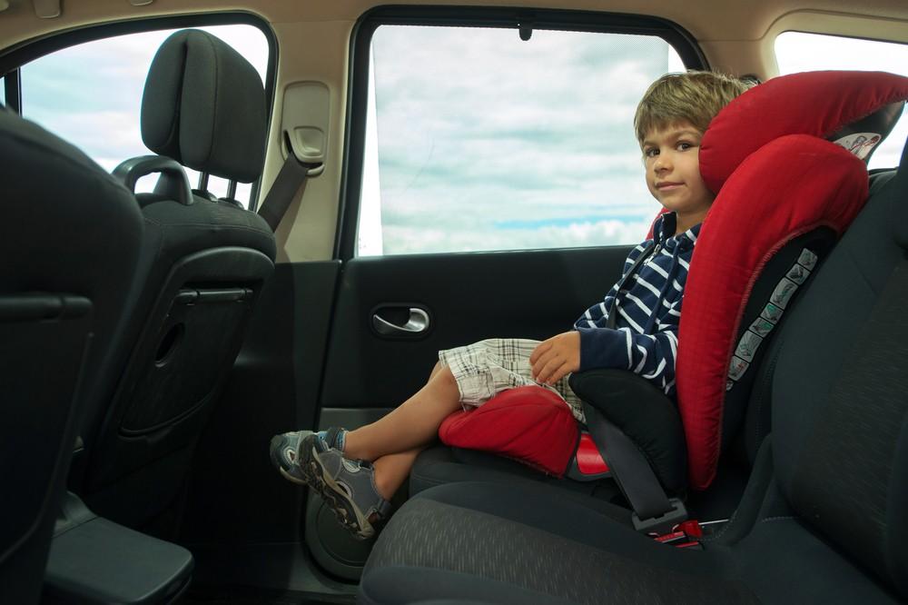 Fotelik dziecięcy w samochodzie