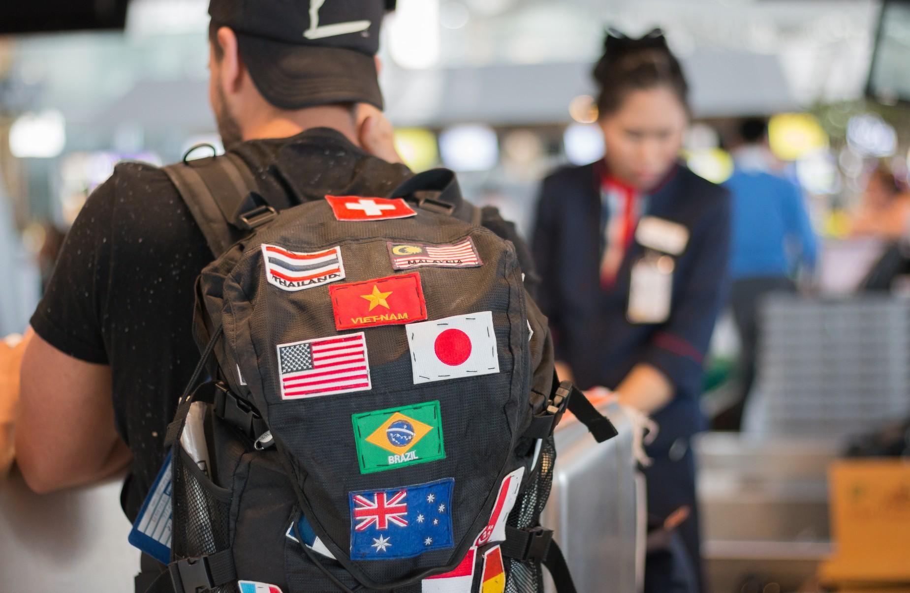 Podróżnik na lotnisku