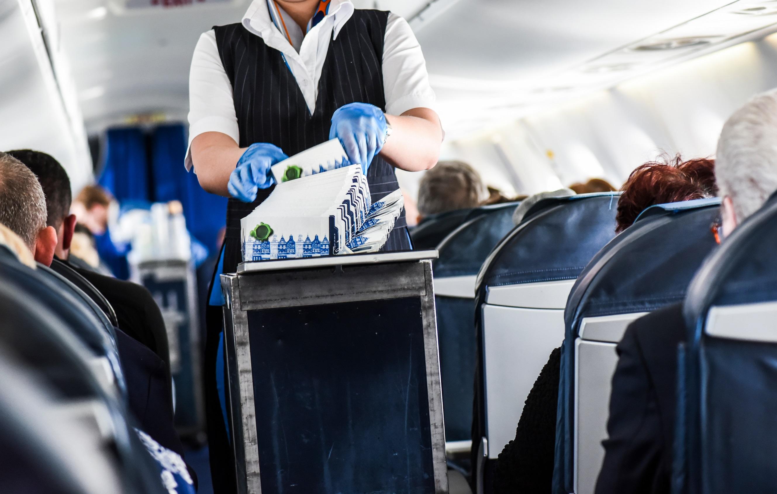 sprzątanie samolotu