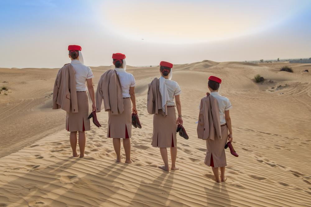 stewardesa emirates