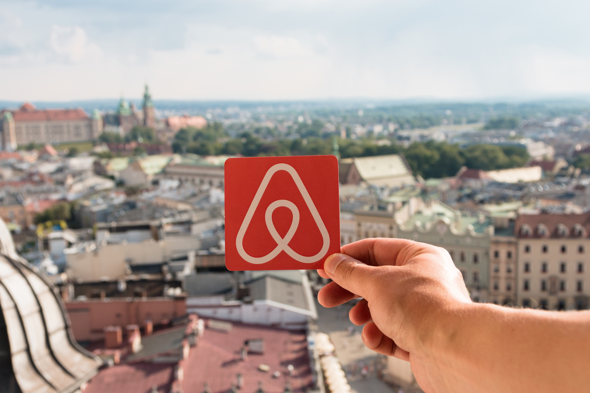 krakow airbnb