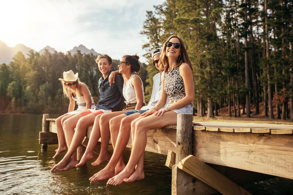 przyjaciele nad jeziorem