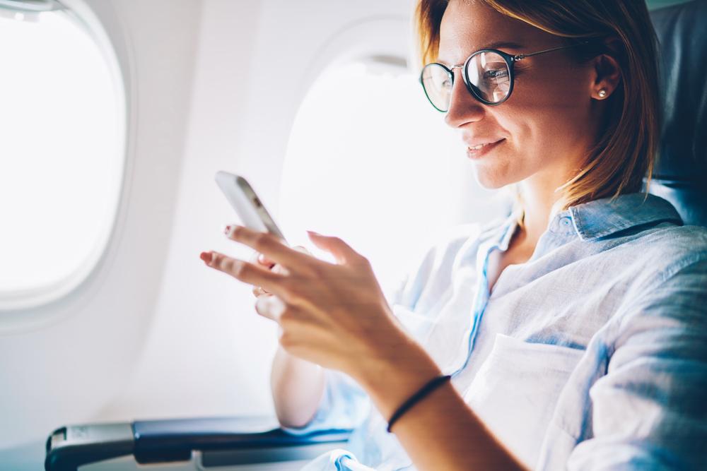 kobieta w samolocie
