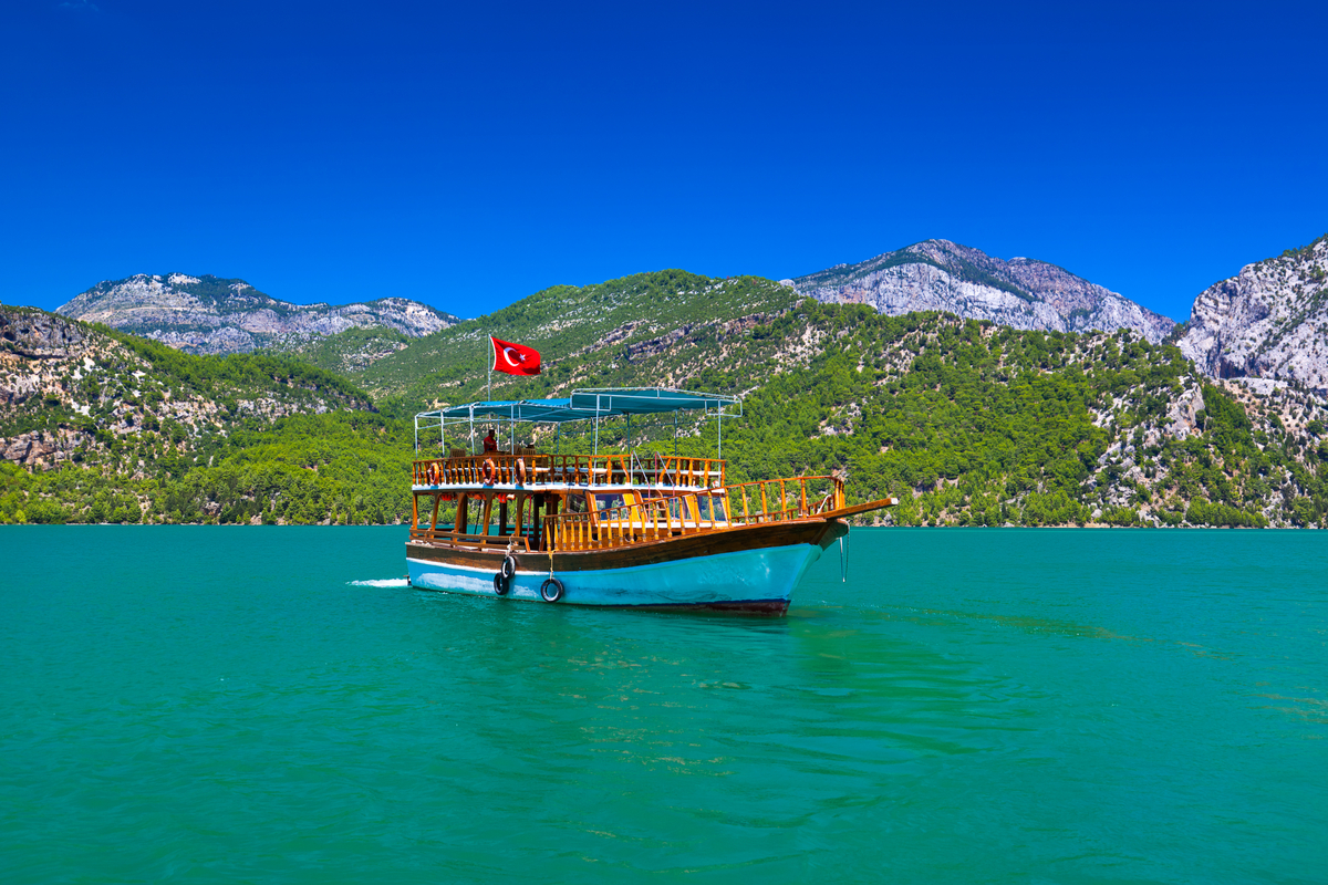 łódź wycieczkowa w Turcji