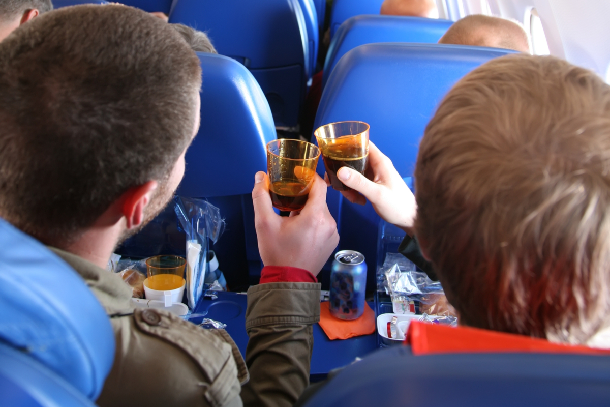 alkohol w samolocie