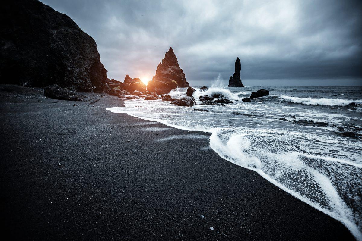 czarna plaza na islandii