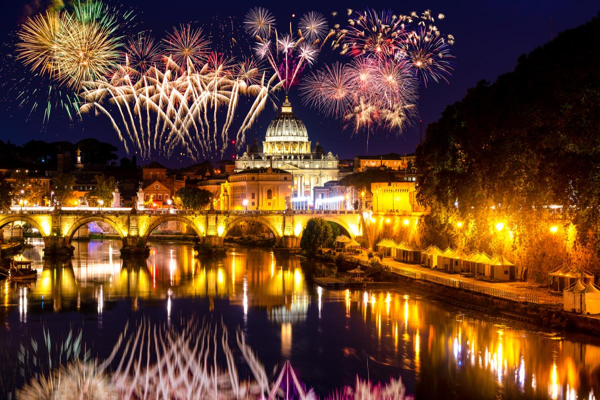fajerwerki nad rzymem