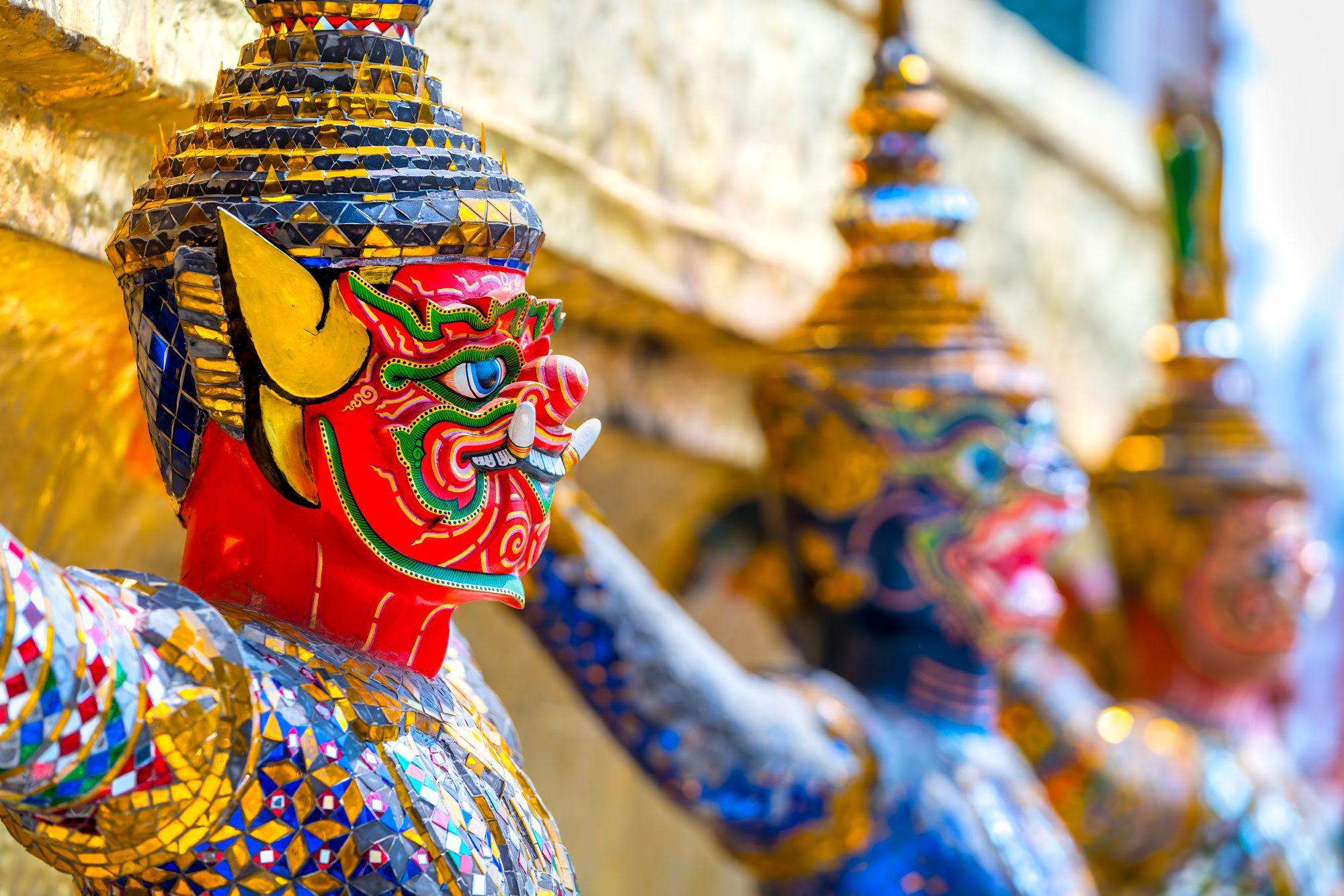 Figurki w świątyni