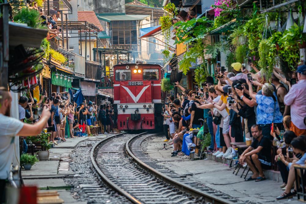 pociąg ulica hanoi