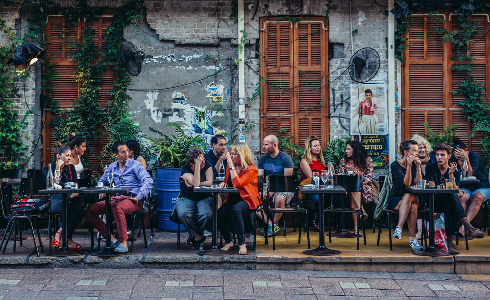 Ludzie w kawiarni