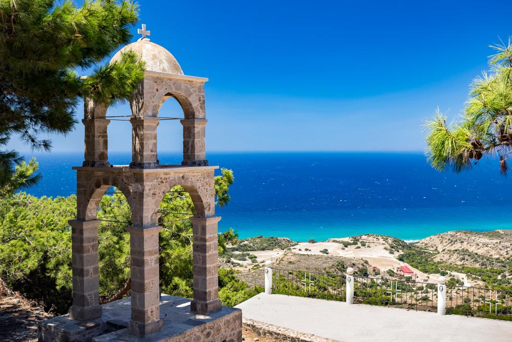 Kapliczka nad morzem