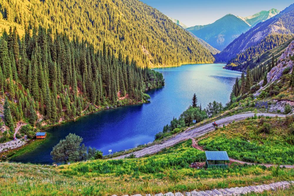 Jezioro w Kazachstanie
