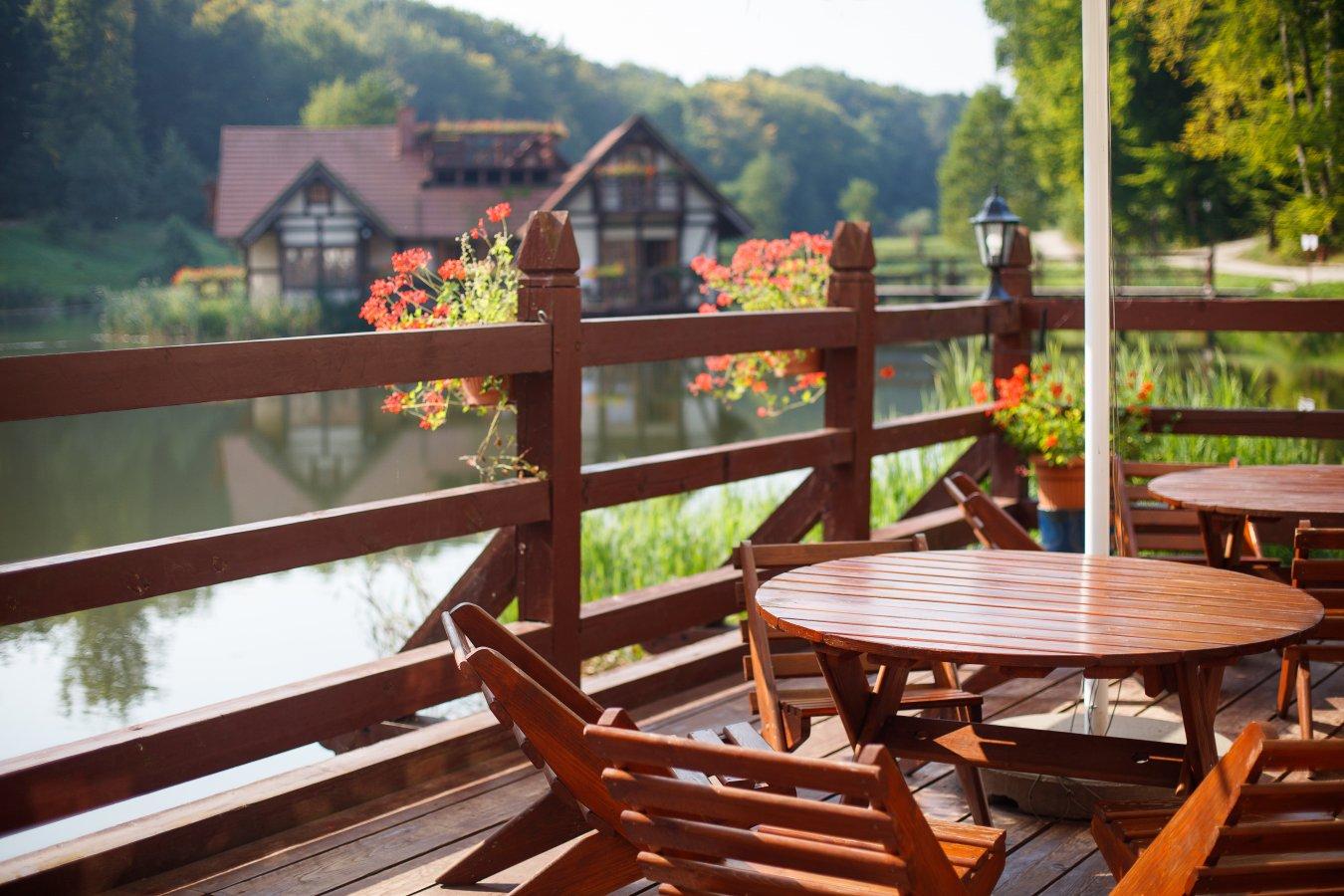 Stolik na balkonie