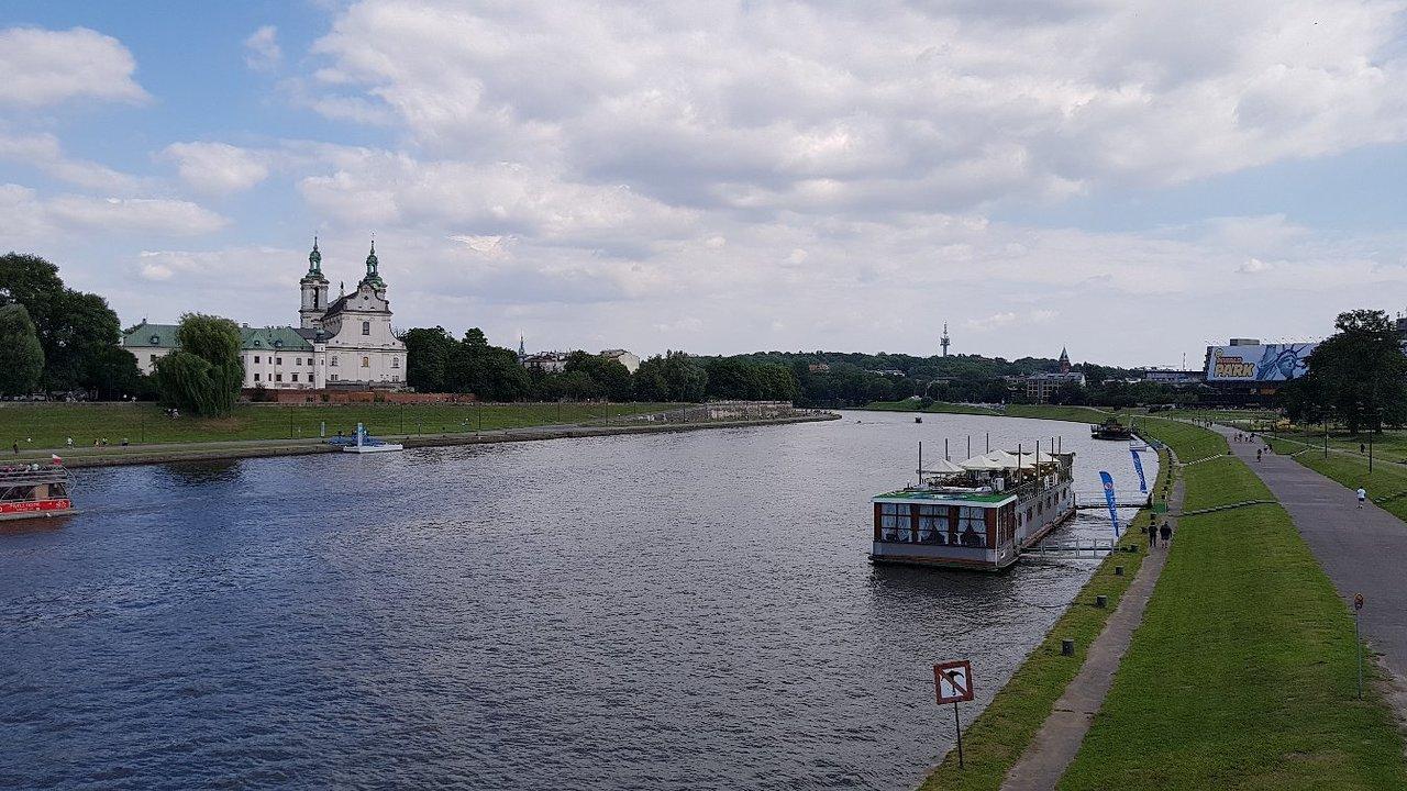 Rzeka i łódź