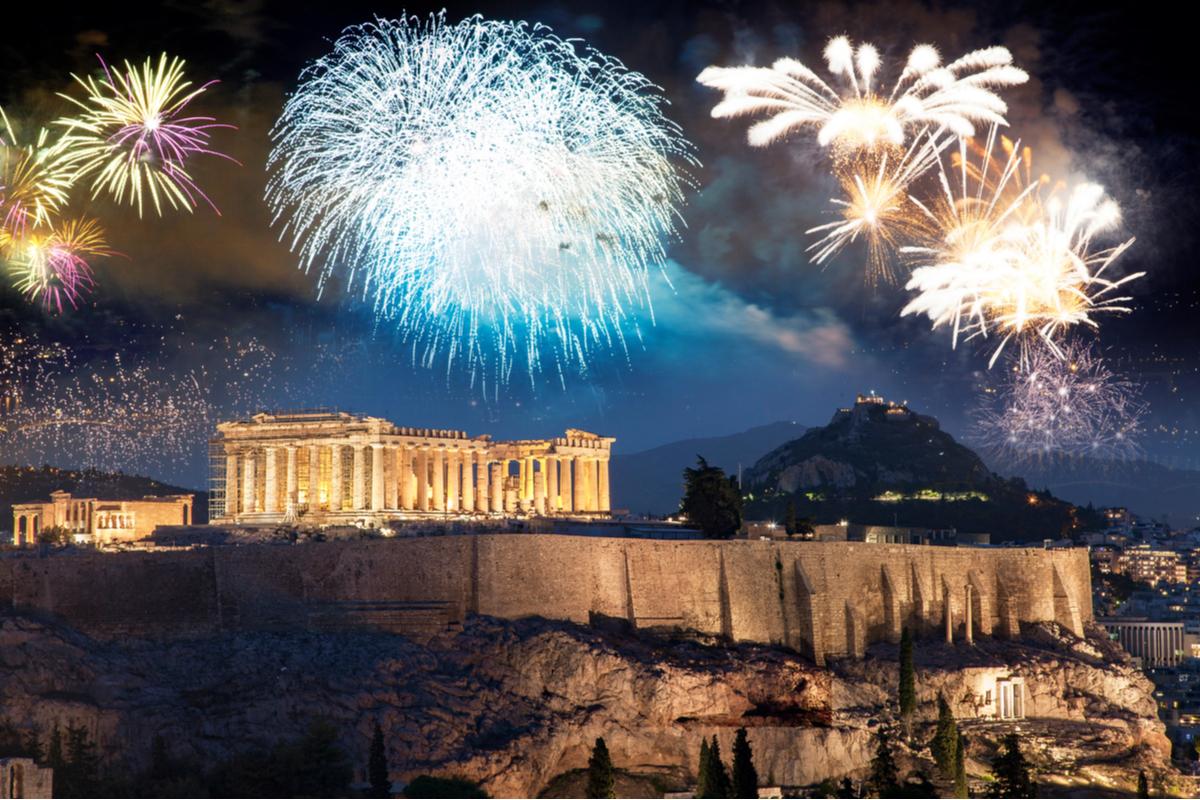 fajerwerki nad akropolem