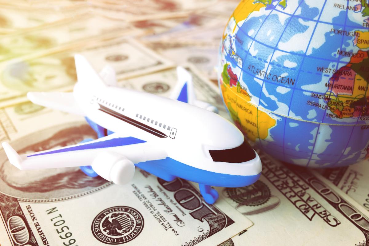 linie lotnicze finanse