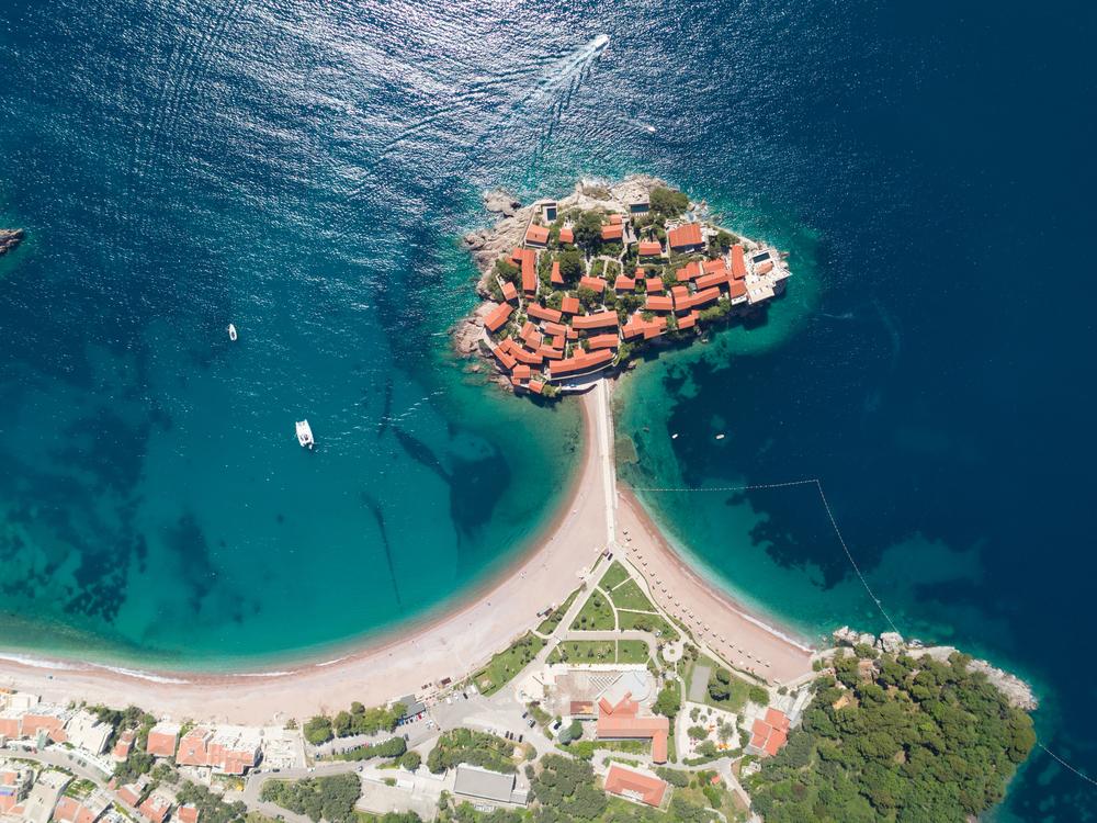 Wyspa z drona