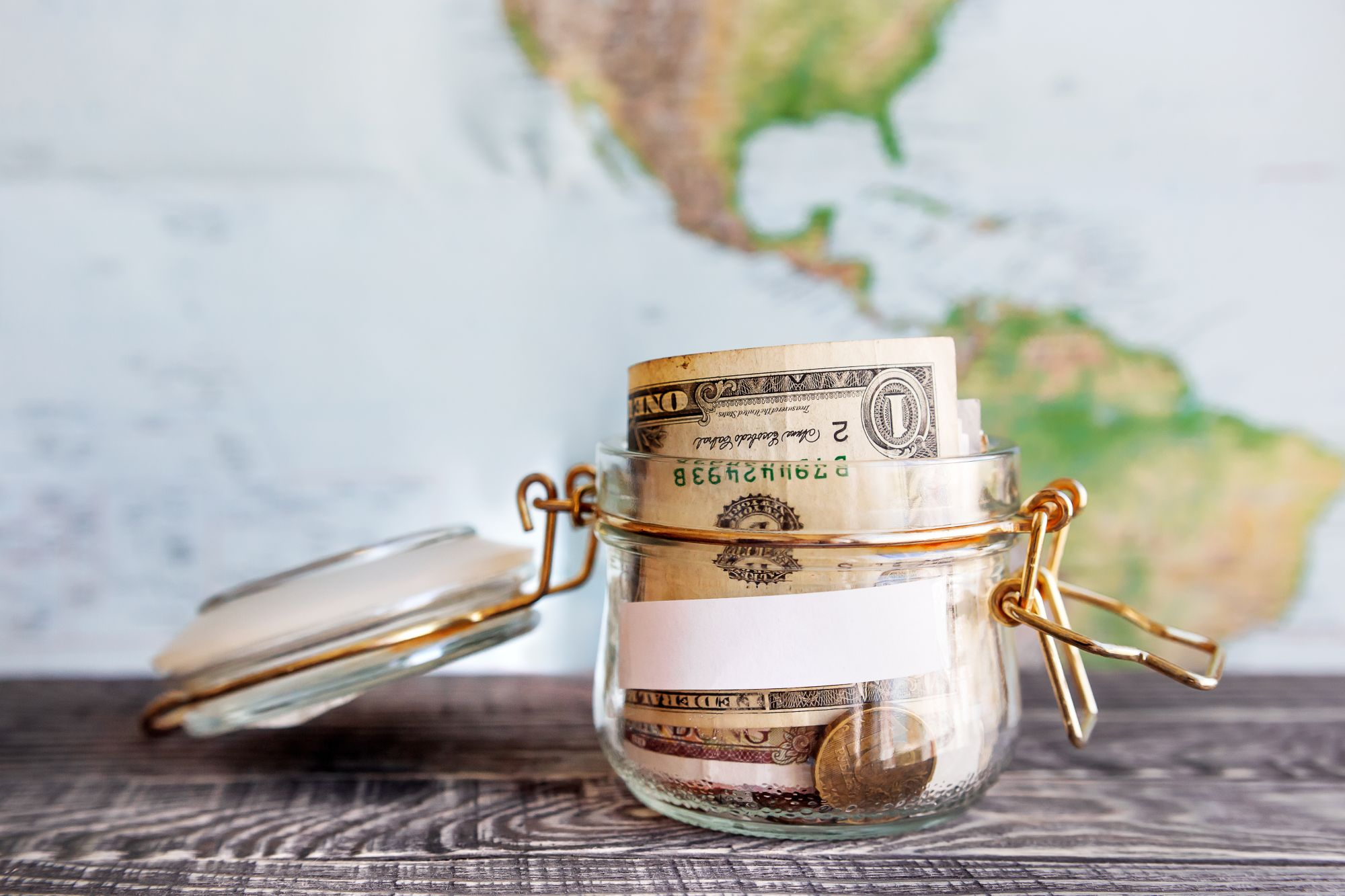 Pieniądze i mapa