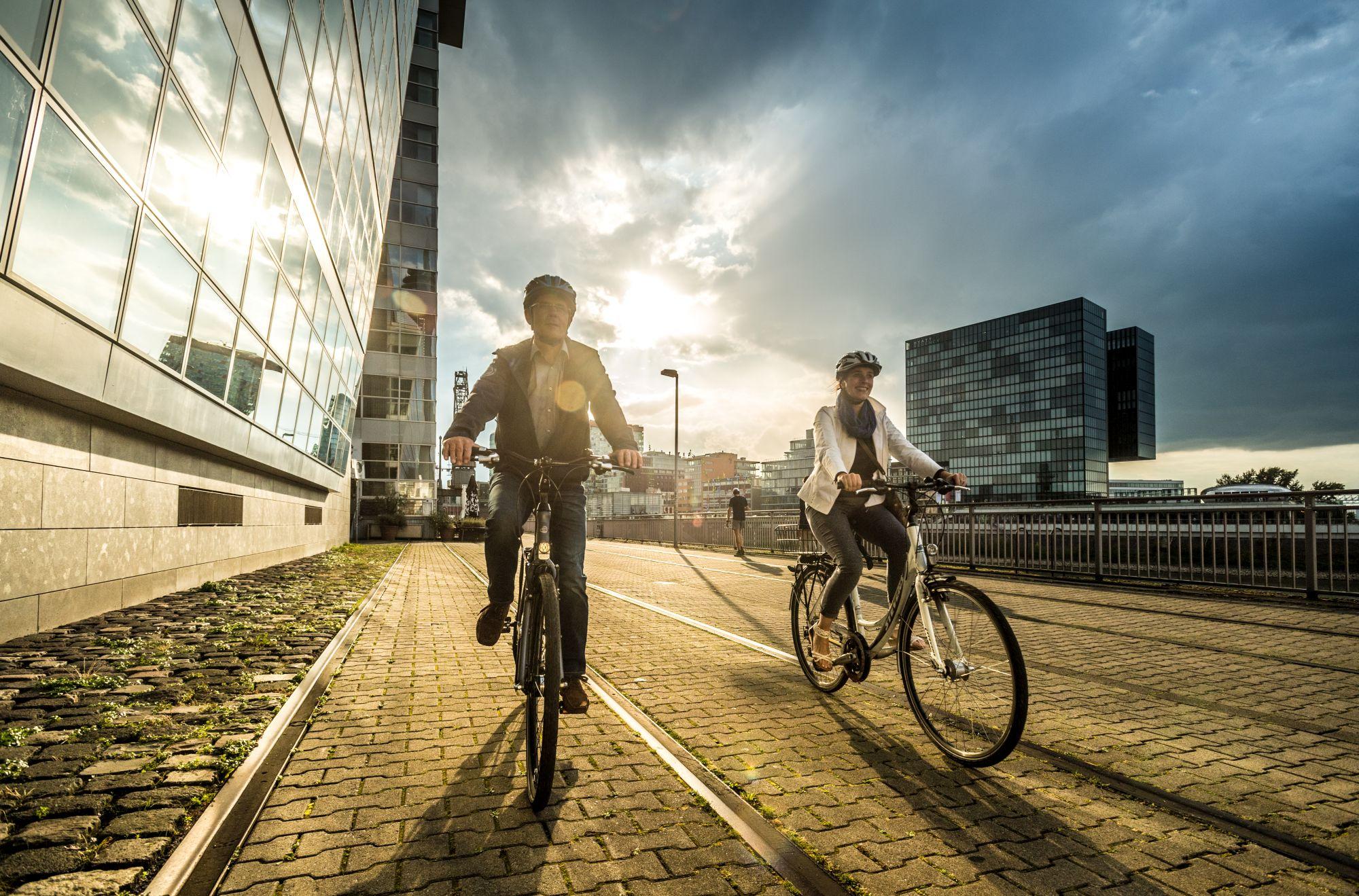 Turyści na rowerach