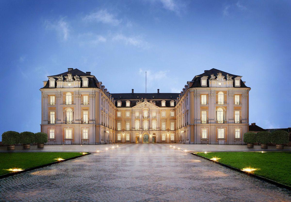 Pałac o zmierzchu